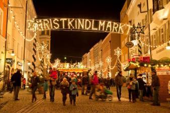 christkindlmarkt-rosenheim-beleuchtung_reference